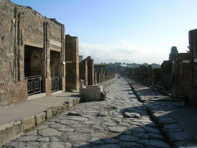 Via dell'Abbondanza - A street in Pompeii