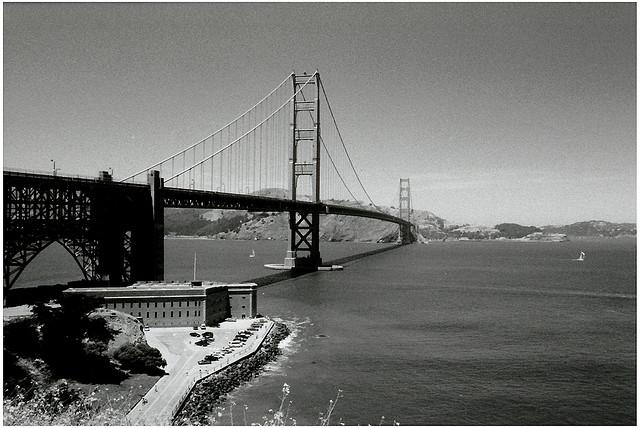 The Golden Gate Bridge (©lysander07)