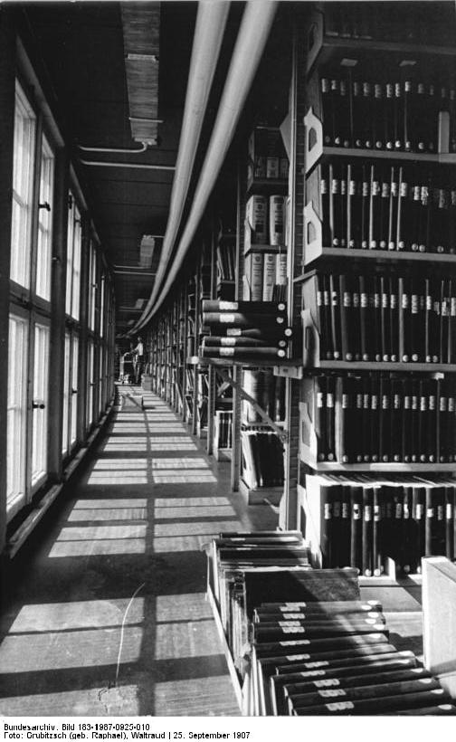 Deutsche Nationalbibliothek @Bundesarchiv: 183-1987-0925-016 / The German National Library