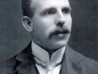 Ernest Rutherford Discovers the Nucleus