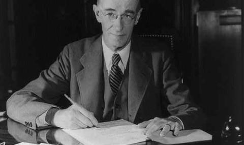 Vannevar Bush and his Vision of the Memex Memory Extender