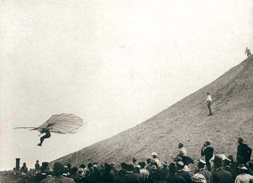 Flight of Lilienthal from the flying mountain Lichterfelde on 29 June 1895