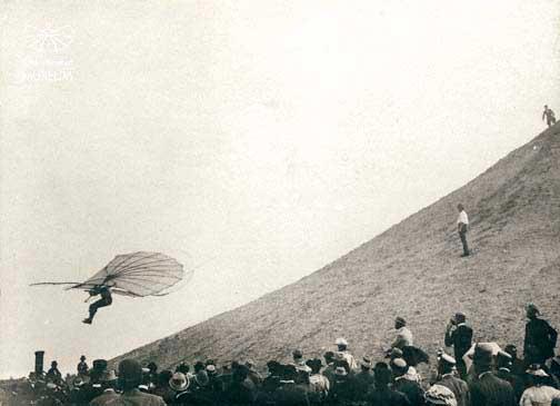 Flight of Lilienthal from the flying mountain Lichterfelde on 29 June 1895