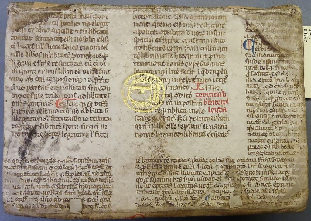 "early parchment leaf from a glossed copy of the Codex Justinianus photo: <a href=""http://www.flickr.com/photos/58558794@N07/9031471071/"">http://www.flickr.com/photos/58558794@N07/9031471071/</a>"