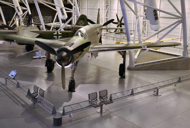 Dornier Do 335 in the Steven F. Udvar-Hazy Center, by Guinnog [CC BY-SA 3.0