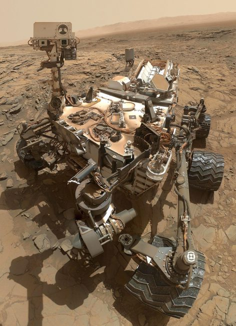 Curiosity rover's self portrait at Mount Sharp, Mars, 2015