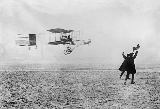 Henri Farman on 13 January 1908 in his Voisin biplane during the flight to the Grand Prix d'Aviation