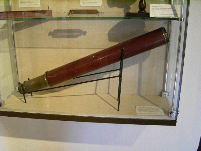 Göttingen, Stadtmuseum, Dollond telescope. Used by Georg Christoph Lichtenberg.