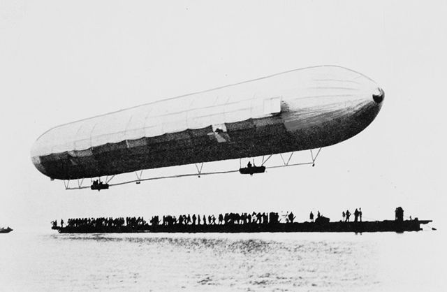 First Zeppelin flight shown above a boat at Lake Constance