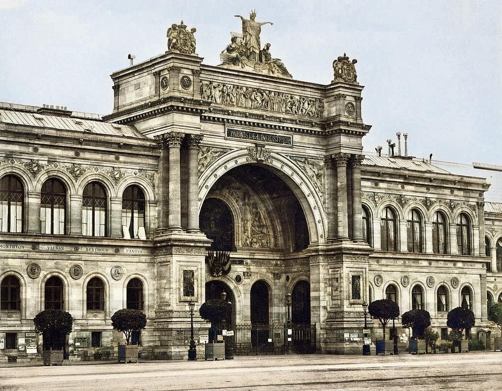 The Salon de Refusés of 1863 took place in the Palais de l'Industrie in Paris