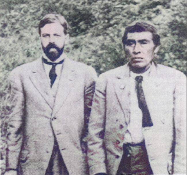 Alfred L. Kroeber with Ishi, the last known member of the Yahi tribe