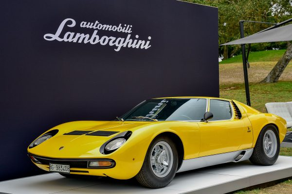 The Lamborghini Miura, By Template:Guy Kawasaki (Own work) [CC BY-SA 4.0 (http://creativecommons.org/licenses/by-sa/4.0)], via Wikimedia Commons