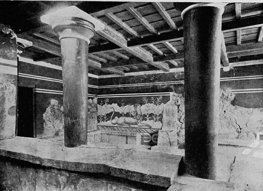 Columns at Knossos