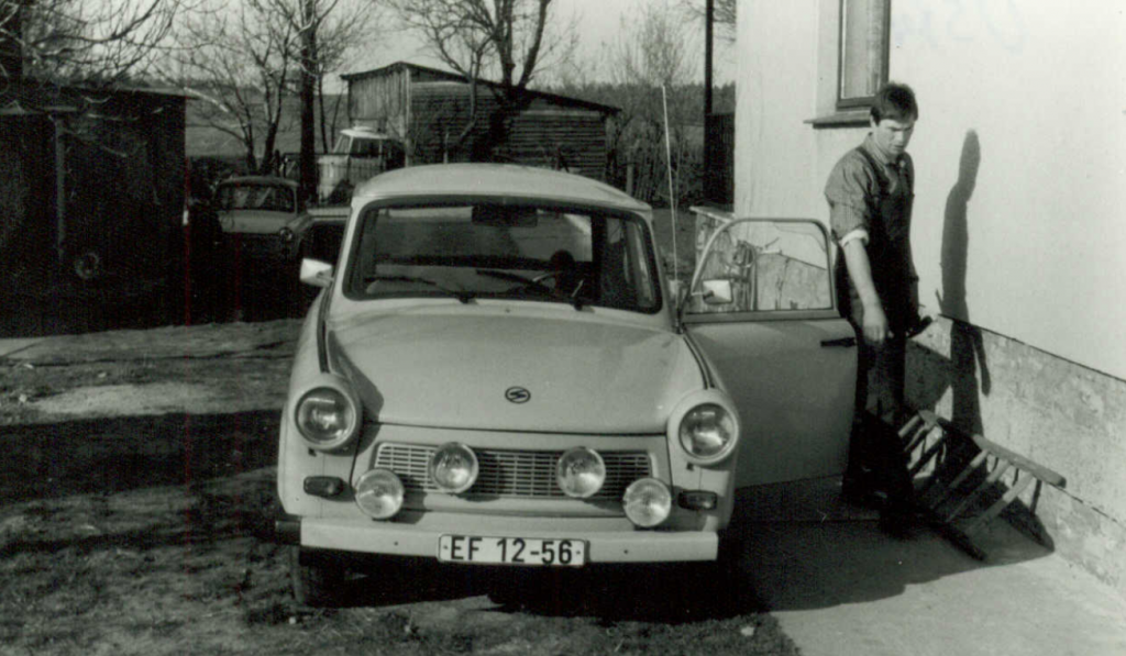 My father with our family Trabant 601, built in 1962. Image: M. Tietz, 1987