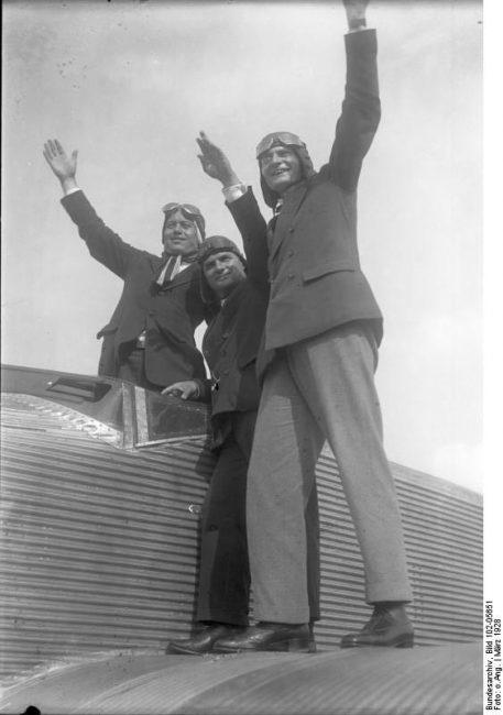 The crew of the Bremen of the failed 1927 transatlantic flight: Loose, Köhl and Hünefeld