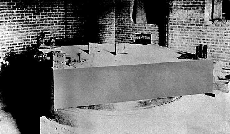 Figure 1. Michelson and Morley's interferometric setup, mounted on a stone slab that floats in an annular trough of mercury
