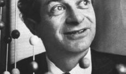 Linus Pauling – From Quantum Chemistry to Molecular Biology