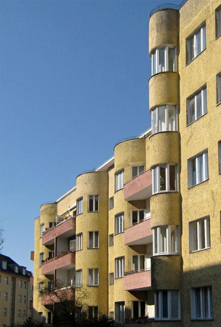 Block of flats Bolivarallee 9 in Berlin