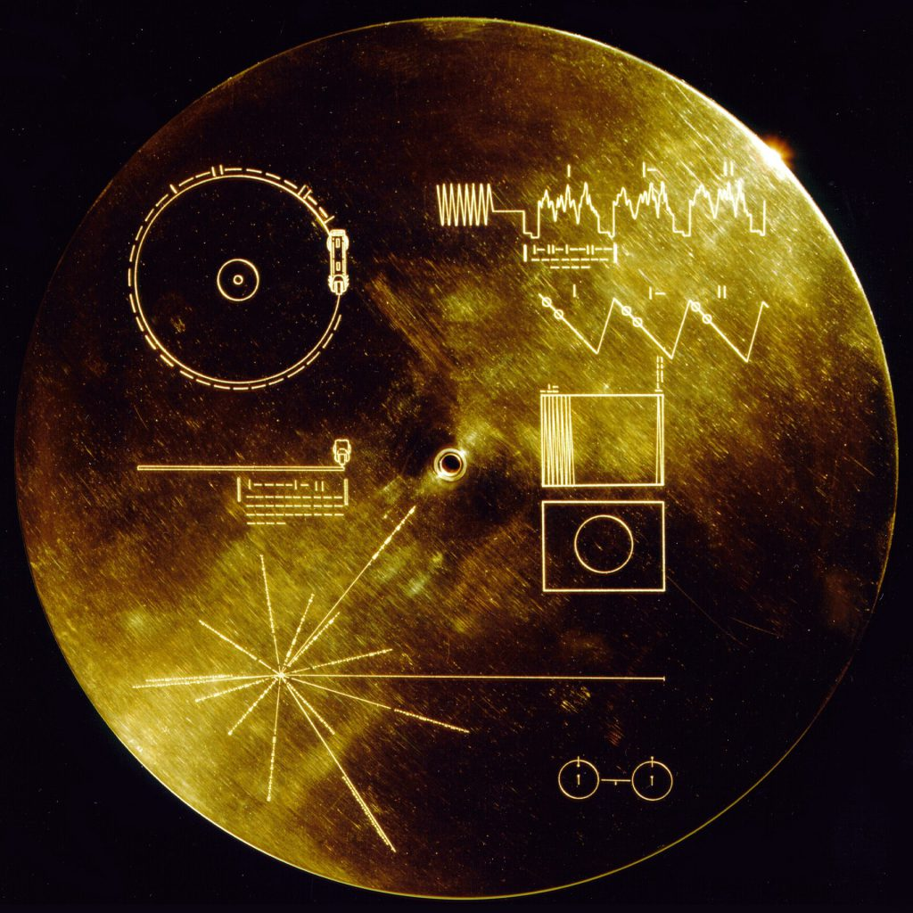 Voyager Golden Record - cover with interstellar instructions for use