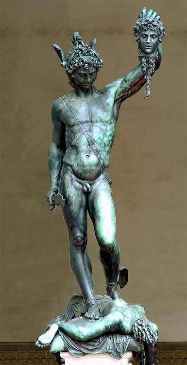 Perseus with the Head of Medusa, Bronze monumental de Benvenuto Cellini, 1545 - 1554 - Florence - Loggia del Lanzi.