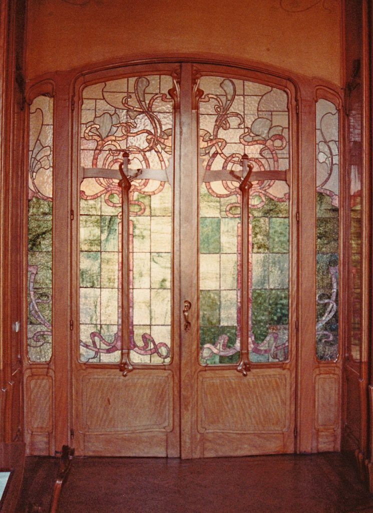 Hôtel van Eetvelde, Doorway with stained glass. by Victor Horta