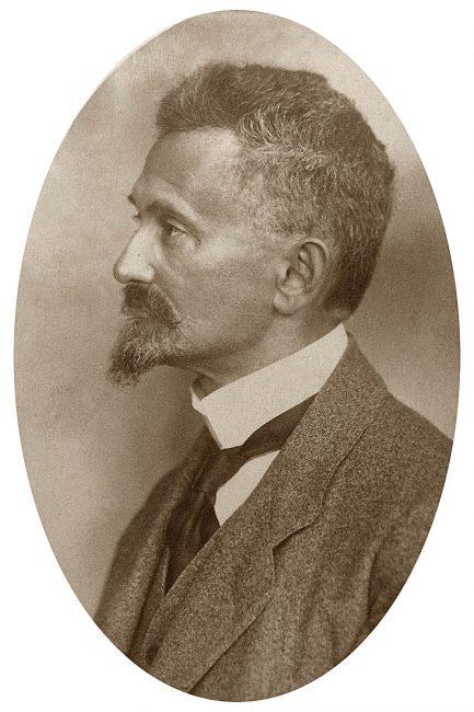Felix Hausdorff (1868 - 1942)